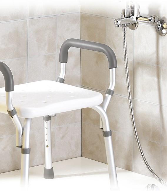Silla de ducha con reposabrazos para personas mayores o con discapacidad, ejemplo en ducha