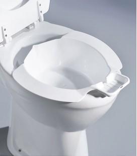Bidet ajustable para realizar la higiene en el inodoro