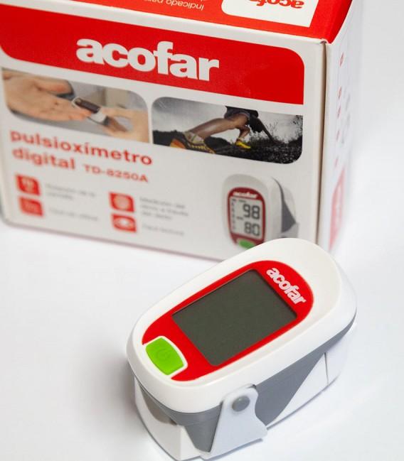 Pulsioxímetro de dedo para medir la saturación de oxígeno en sangre - Aparato y caja