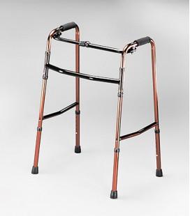 Andador de aluminio muy ligero, para avanzar alternativamente. Para personas mayores o con discapacidad