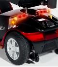 Detalle de las luces traseras (freno e intermitentes) del Scooter Victory Lux Roja