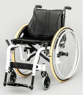Silla de ruedas Ergo Live con ruedas traseras grandes para autopropulsarse